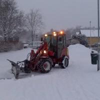 Vår smidiga Schäffer röjer snö, snabbt och effektivt.